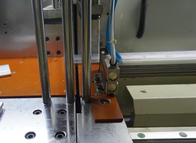 【河南】分离式低噪音切铝机DS-A400升降式气浮送料装置备受欢迎