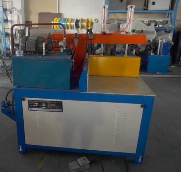 【山东】DS-C400液压定尺锯切割铝合金货箱,性价比超高