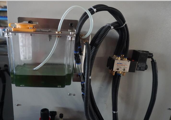微量润滑系统也可用在半自动成品锯上【邓氏案例】