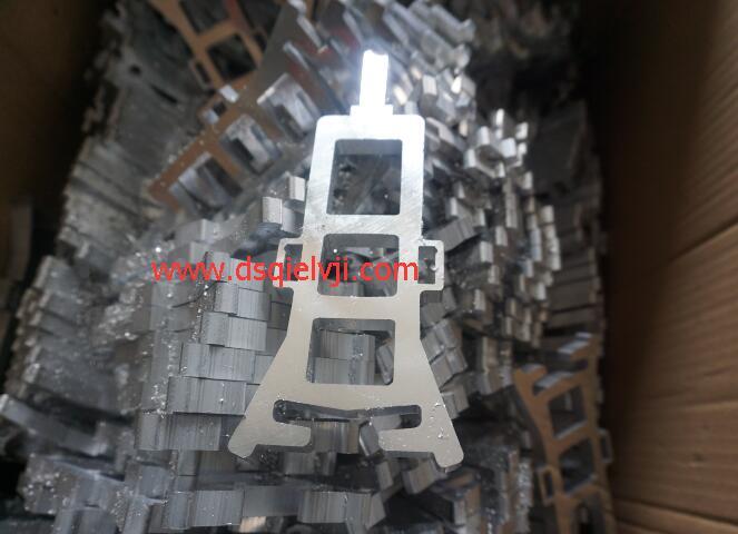 【无锡】切割光洁面好看的邓氏切铝机,客户搬迁厂房也不忘新增