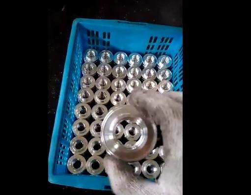 【常州】汽车零部件行业姚总选择邓氏全自动切铝机配套生产