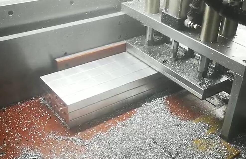 切109*109工业型材用什么铝材切割设备?【邓氏机械】