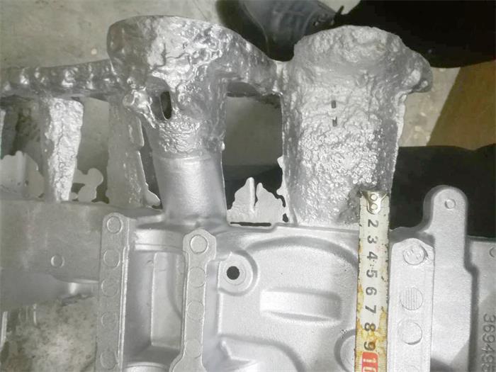 汽车配件之铝压铸件切割机的自动化锯切方案